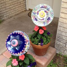 Old plates made into garden flowers!