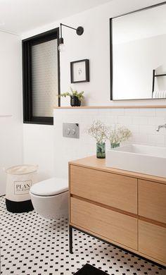 black and white bathroom Bathroom Toilets, Bathroom Renos, Bathroom Furniture, Bathroom Ideas, Minimalist Bathroom, Modern Bathroom, Small Bathroom, White Bathroom, Toilet Design