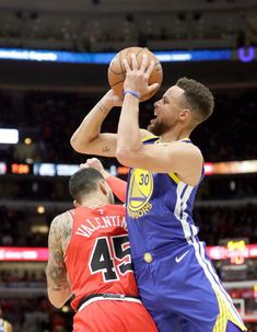 Golden State Warriors' Stephen Curry shoots and draws a foul from Chicago Bulls' Denzel Valentine during the first half of an NBA basketball game Wednesday, Jan. in Chicago. Baylor Basketball, Curry Basketball, Basketball Tricks, Basketball Shooting, Basketball Goals, Basketball Uniforms, Denzel Valentine, Basketball Compression Pants, Warriors Stephen Curry