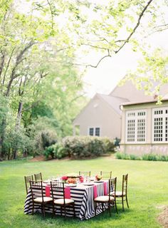 adorable tabletop for an outdoor dinner party