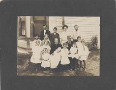 Large Family Portraits, Family Photos, Old Photos, Vintage Photos, Butterworth, Big Family, Mars, The Past, Polaroid Film