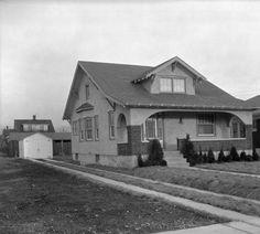House at 203 Mayfair Lexington Road, Louisville, Kentucky, 1927. :: Caufield & Shook Collection
