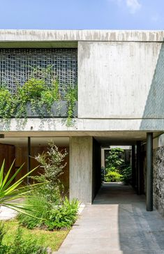 The project, called Casa Agua, entailed the renovation and expansion of a 1970s house in Mexico City whose original architect is unknown. Concrete Facade, Concrete Houses, Concrete Structure, Luz Natural, 1970s House, Load Bearing Wall, Storey Homes, México City, Facade Design