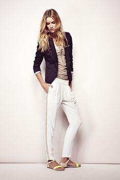 Veste cintrée et pantalon esprit jogging de la marque IKKS