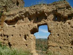 Os invitamos a pasear por el  castillo y murallas de Daroca.  #historia #turismo  http://www.rutasconhistoria.es/loc/castillo-y-murallas-de-daroca