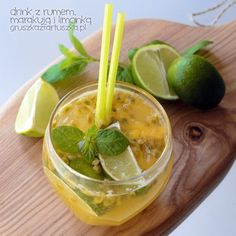 drink z rumem, marakują i limonką Game Of Thrones Drink, Tron Game, Baileys, Ramen, Cantaloupe, Fruit, Drinks, Ethnic Recipes, Gra