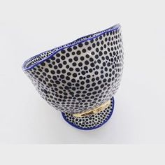 This bowl has holes in the bottom! Suzanne Sullivan Ceramics, Sgraffito, Blueberry, Decorative Bowls, Porcelain, Pottery, Diy, Photo And Video, Black And White