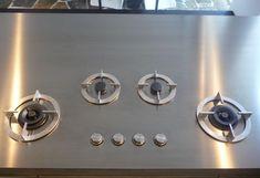 i-Cooking gaskookplaat in RVS werkblad My Kitchen Rules, New Kitchen, Kitchen Worktop, Kitchen Appliances, Art Furniture, Furniture Design, Custom Kitchens, Design Awards, Gas Hobs