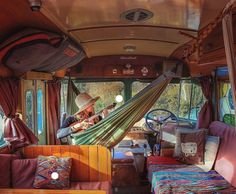 Interior Design Ideas For Camper Van - living - The Effective Pictures We Offer You About van life A quality picture can tell you many things. Kombi Hippie, Hippie Camper, Camper Life, Camper Van, School Bus Camper, Van Life, Esprit Hippie, Vw Minibus, Kangoo Camper