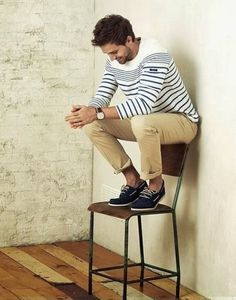 Men's Style and Fashion: white sweater and cream pants