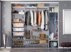 Gracias al sistema elfa, tus armarios estarán totalmente adaptados a tus necesidades y diseños hechos a medida para un mayor provecho de cada uno de los rincones de la casa