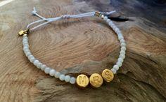 """Armbänder - Perlen Armband weiß """"MRS"""" gold - ein Designerstück von saniLou bei DaWanda"""