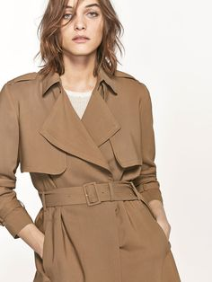 Spring summer 2017 Women´s FLOWING TRENCH COAT at Massimo Dutti for 149. Effortless elegance!