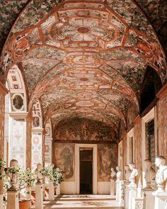 Rome Travel, Italy Travel, Rome Buildings, Italian Life, Like A Local, Wonderful Places, Beautiful World, Barcelona Cathedral, Taj Mahal