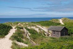 Nantucket Island, Massachusetts. Just the perfect setting for a chick lit novel...