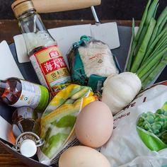 Lipii umplute cu hummus si legume coapte - Din secretele bucătăriei chinezești Eggs, Breakfast, Food, Salads, Meal, Egg, Eten, Meals, Morning Breakfast