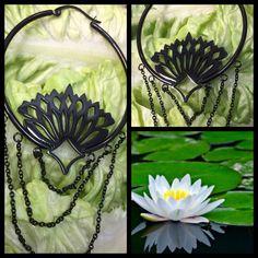 """Mega fancy Lotus hoops, både til """"almindelige"""" huller i ørene og til at fyre gennem tunnels    Ses i dag hos Artistic 11-18 ❤"""