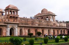 Mandu in Madhya Pradesh is sometimes referred to as the Hampi of central India because of its treasure trove of ruins. This travel guide will help you plan your trip there.