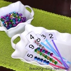 Counting with Beads + Free Printable Numbers www.teaching-tiny… Counting with Beads + Free Printable Numbers www. Numbers Preschool, Learning Numbers, Math Numbers, Math Classroom, Fun Math, Teaching Math, Toddler Activities, Preschool Activities, Activities For Kids