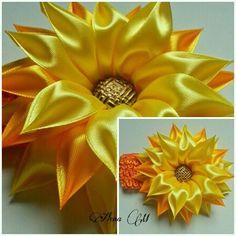 Hviezdička je vyrobená technikou kanzashi, pri výrobe sú p - Crochet Brazil Satin Ribbon Flowers, Cloth Flowers, Ribbon Art, Diy Ribbon, Ribbon Crafts, Flower Crafts, Diy Flowers, Fabric Flowers, Paper Flowers