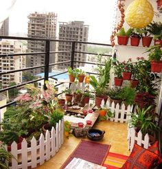 32 Space Saving Ideas Beautiful Balcony Designs with Modern Hanging Planters. Hanging planters save space and earn balcony designs far more functional. Small Balcony Decor, Small Balcony Garden, Balcony Design, Terrace Garden, Indoor Garden, Indoor Plants, Garden Design, Apartment Balcony Garden, Apartment Balcony Decorating