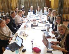 Tänään Someco on kerääntynyt Helsinkiin kuukausittaisen Someco Monthlyyn, eli sisäisen koulutuspäivän pariin! Mukana myös neljä uutta vahvistusta, melkein mahdutaan vielä yhden pöydän ääreen 😉