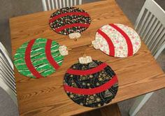 TABLE ORNAMENTS PLACE MAT KIT