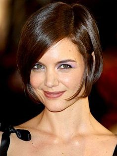 Katie Holmes's short bob is best for heart- and oval-shaped faces but can also work on a square face if the bob is slightly angled.
