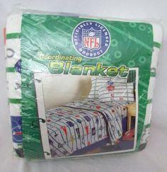 Vintage-NIP-1996-NFL-Blanket-Fits-Twin-Full-Bed-Made-USA-Playbook-All-Teams-Logo