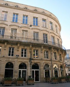 The Hotel Richelieu is where Jefferson stayed in Bordeaux. Wine-lover Thomas Jefferson's five days in Bordeaux ~ Invisible Bordeaux