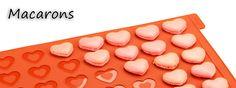 Vom Herzen gebackene Macarons schmecken nicht nur lecker, die kommen auch immer gut an :) Macaron-Mix, Backmatten, Macaron-Set uvm. gibt es bei uns!  http://www.tolletorten.com/Macarons:::522.html