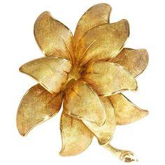 Tiffany Gold Flower Brooch . Circa 1960s