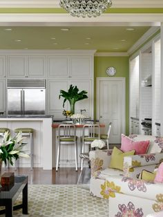 Open-concept kitchen/living rooms have been growing steadily in popularity over the last few years and this hot trend shows no signs of cooling off soon. A great option for families with children or people who entertain often, open-concept rooms also feel much more spacious than similarly sized spaces that are separated by a wall.