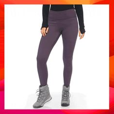 When the temps go down, pulling up a pair fleece-lined leggings is a foolproof way to stay warm working out. Behold: the best fleece-lined leggings for Fleece Tights, Nike Fleece, Knit Leggings, Fleece Pants, Printed Leggings, Thermal Tights, Comfortable Winter Outfits, Chunky Knitwear, Leggings Fashion