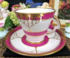 STANDARD TEA CUP AND SAUCER RED & GOLD GILT PATTERN TEACUP DECO DESIGN
