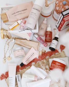"""• S a n d r i n e • Ou Chon on Instagram: """"Petites nouveautés (ou pas) beauté dont je ne plus me passer ! Ça fait beaucoup comme ça, mais attends de voir mes produits pour les…"""" Beauty Corner, Comme, Wine, Bottle, Instagram, Products, Flask, Jars"""