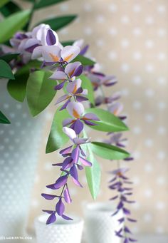Wisteria is a gorgeous flowering plant that grows in an intriguingly soft purple shade, so of course we loved the idea of making paper wisteria vines Paper Flowers Wedding, Wedding Paper, Large Flowers, Pretty Flowers, Faux Flowers, Wisteria Plant, Origami, Making A Bouquet, Paper Flower Tutorial