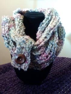 Loved doing this easy finger knitting!  See us at Etsy - Sassysunflowers.