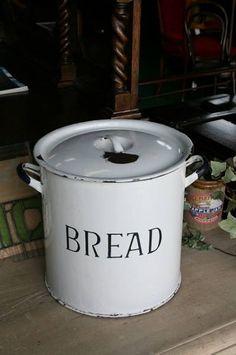 イギリスアンティークホーロー缶ブレッド缶英国製166 1 インテリア 雑貨 家具 Antique enamel england ¥14980yen 〆05月09日