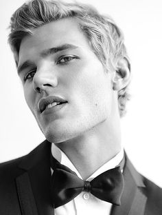 Chris Zylka - UGH I CAN'T. INABILITY TO CAN. HE IS JUST PERFECTION.