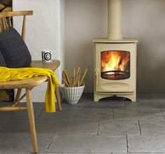 The Charnwood C-Four is a new (range multi fuel stove. The stove is DEFRA exempted meaning you can burn wood in smoke control areas. This stove is also available as a multifuel stove. This stove has a cleanburn airwash technology. Inglenook Fireplace, Open Fireplace, Stove Fireplace, Fireplace Inserts, Fireplace Stone, Fireplace Ideas, Best Wood Burning Stove, Natural Stone Fireplaces, Multi Fuel Stove