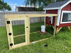 Trictle's Chicken Coop With Plans | BackYard Chickens - Learn How to Raise Chickens Chicken Coop Plans Free, Small Chicken Coops, Backyard Chickens, Raising Chickens, Easy Diy, Shed, Outdoor Structures, Construction, How To Plan
