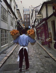 Rue ♦ A baker delivering bread to a restaurant in Paris France Beautiful Paris, I Love Paris, Life Is Beautiful, Paris Travel, France Travel, Image Paris, Paris Restaurants, Paris France, Places To See