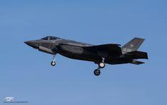 https://flic.kr/p/CHgeiN | DSC_1572 | 32-09 Italian Air Force Lockheed Martin F-35A Lightning II ( AL-9 ), MM7359 during its maiden flight