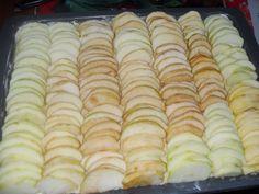 Французская шарлотка с яблоками - Простые рецепты Овкусе.ру