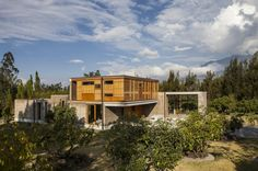 Cotacachi House / Arquitectura X