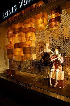 Chameleon Window Campaign | Louis Vuitton Diwali. chameleonvisual.com