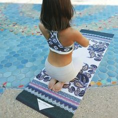 First signs of Spring.. This amazing weather and our new Amala mat from our Spring 2016 collection! ✌️(available now online) #printedyogama