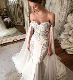 """• LEAH DA GLORIA • Image and gown by @leahdagloria ~ #wedding #weddingdress…"