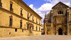 Ubeda (Jaén). Plaza Vazquez de Molina: Iglesia del Salvador y Parador